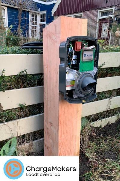 ChargeMakers-Laadpaal-Installatie-Hout-Custom-Lader-Open2